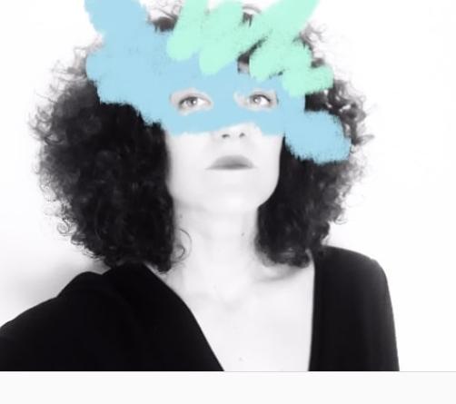 «Yo era la niña sensible/intensa». El collage de Emecé Eseene o María Sánchez